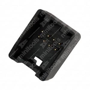 Connettore 4+4 pin maschio.