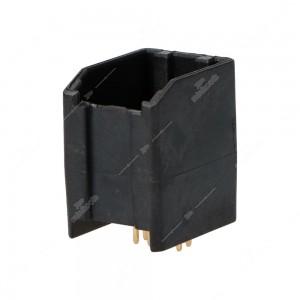0 Connettore 4+4 pin maschio.